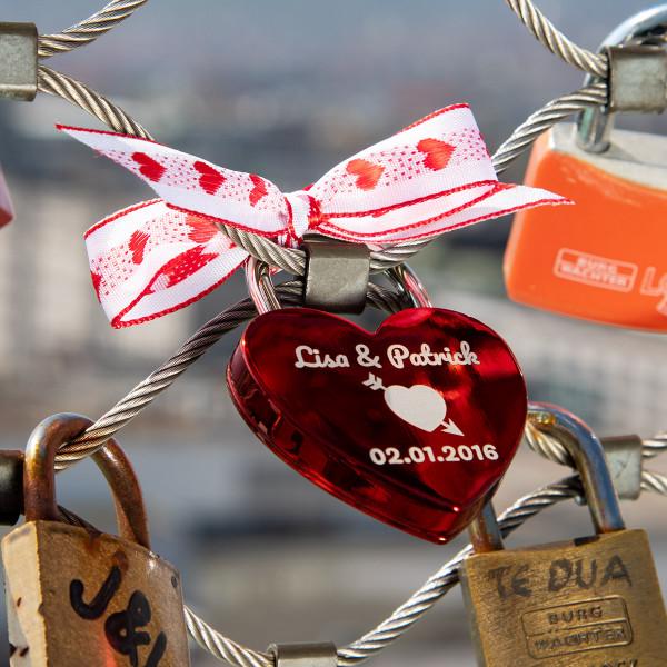 Liebesschloss Herzform Rot