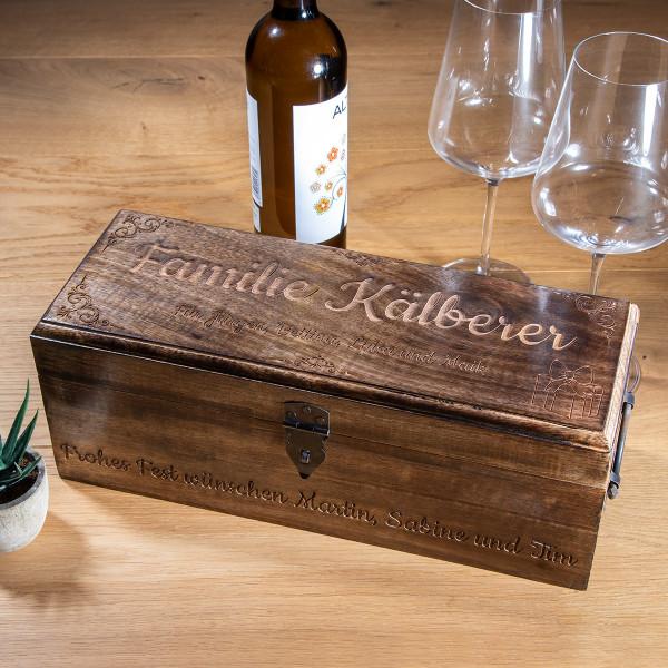 Rustikale Weintruhe mit Gravur
