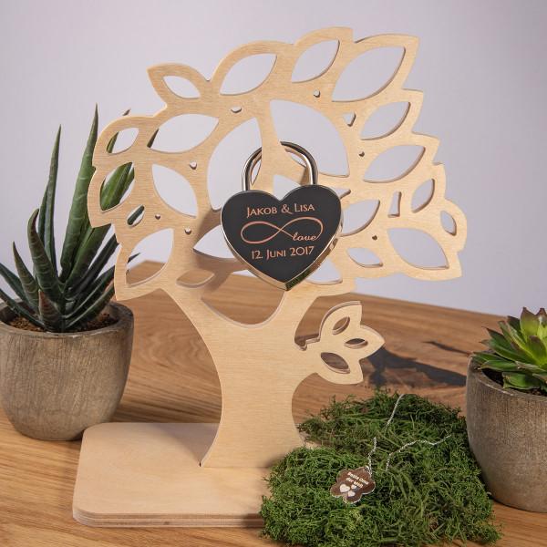 Kleiner Deko-Baum aus Holz